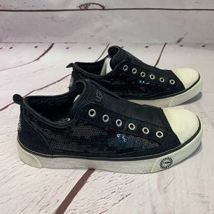 UGG Laela Sneakers Shoes Size 7